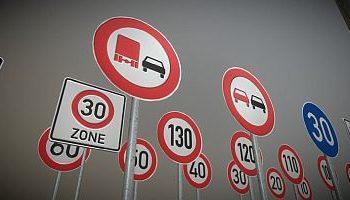 Neue 3D-Modelle-Kollektion von Verkehrzeichen