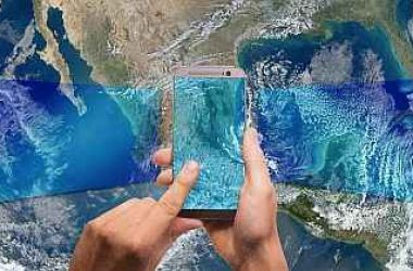 smartphone-earth-free-pic-download